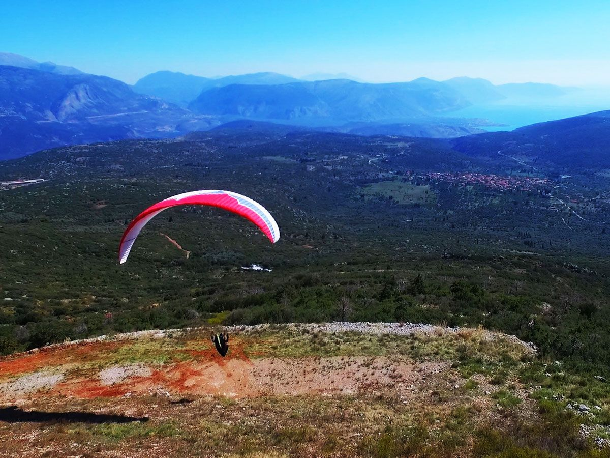 Paragliding - FLYING HIGHER